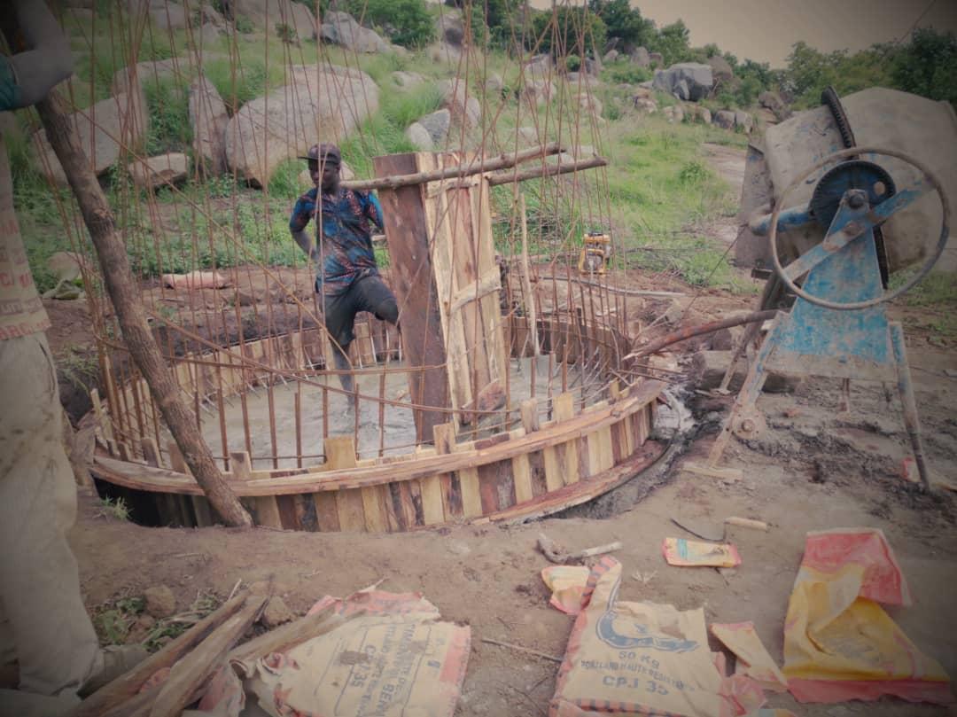 Empezamos a construir un centro de formación en Cotonú con Manos Unidas y Forus