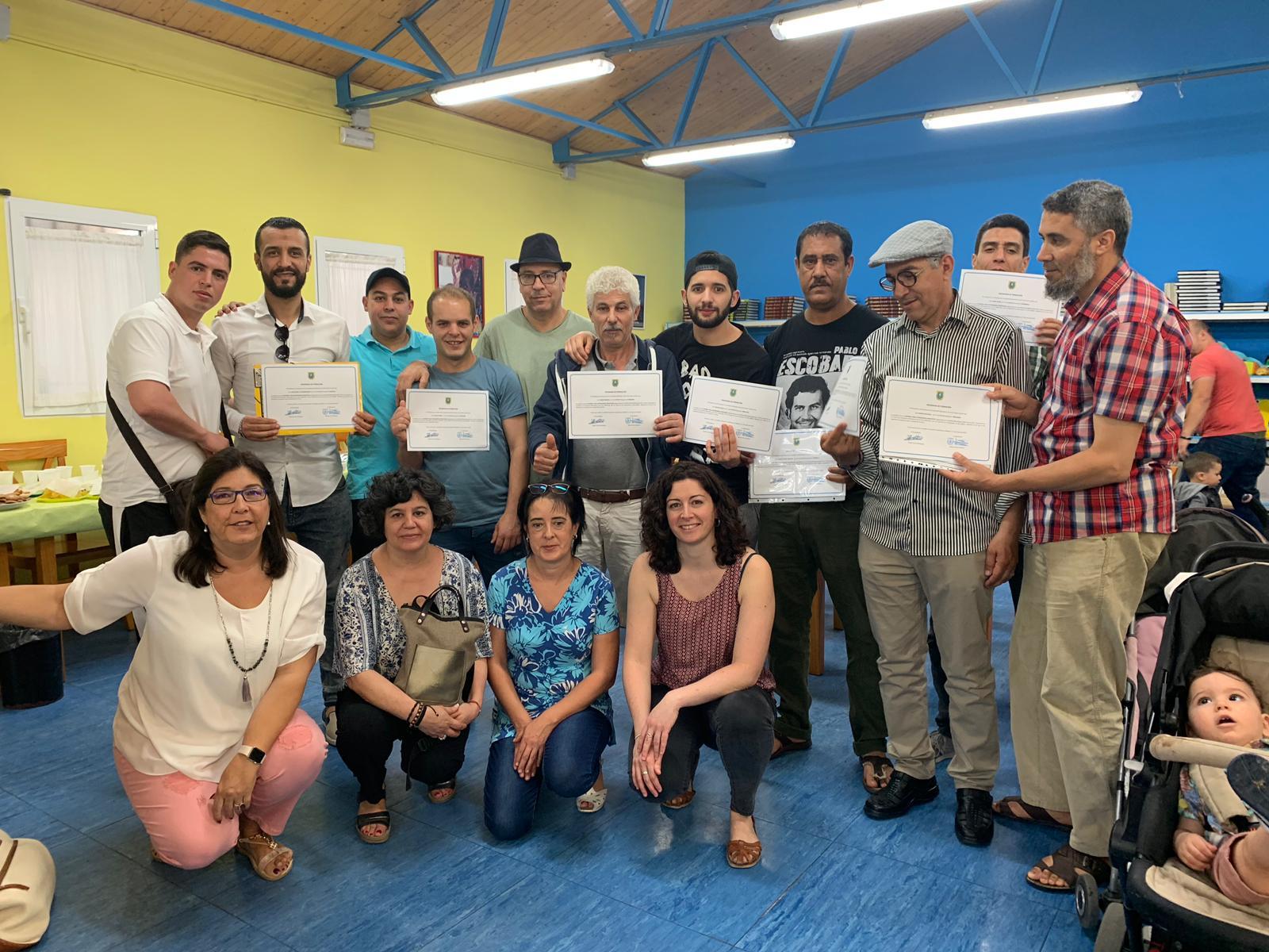 Finalizan las clases de español para alumnos extranjeros sin recursos