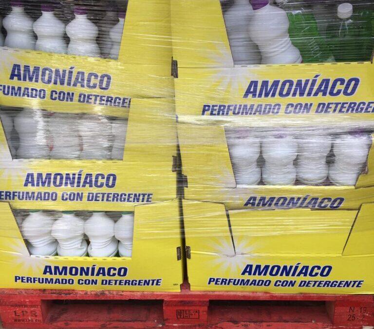 Donación  de amoniaco y lavavajillas por Industrias La Tuna