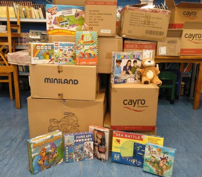 La Fundación Crecer Jugando sigue repartiendo juguetes
