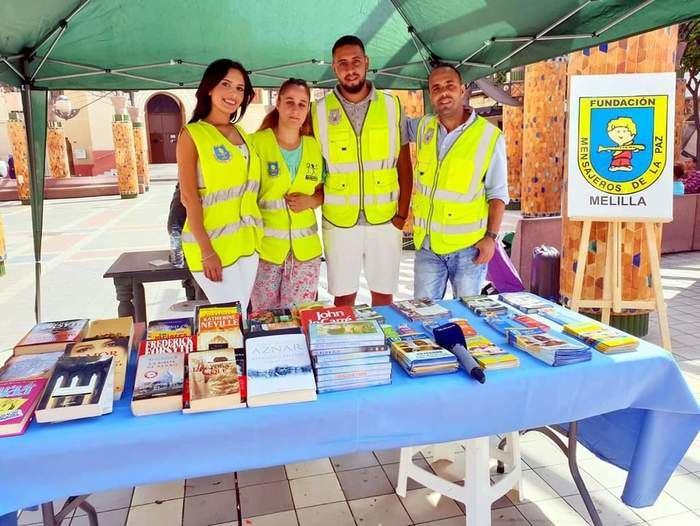 Un centenar de niños de Melilla llenan sus mochilas gracias a la campaña de Mensajeros de la Paz