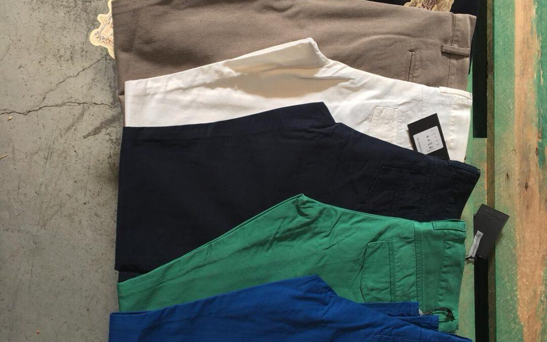 Donación  de 8 palets de pantalones por parte de Antonio Mateos de la Higuera, S.A