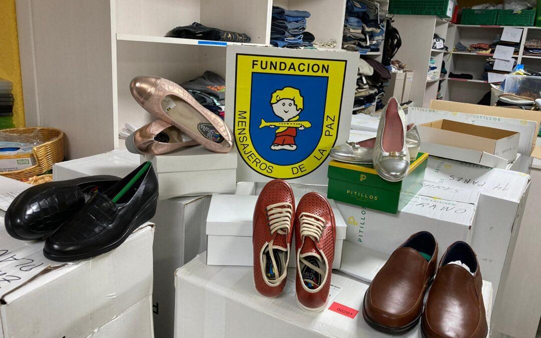 Pitillos nos han hecho llegar una donación de 300 pares de zapatos