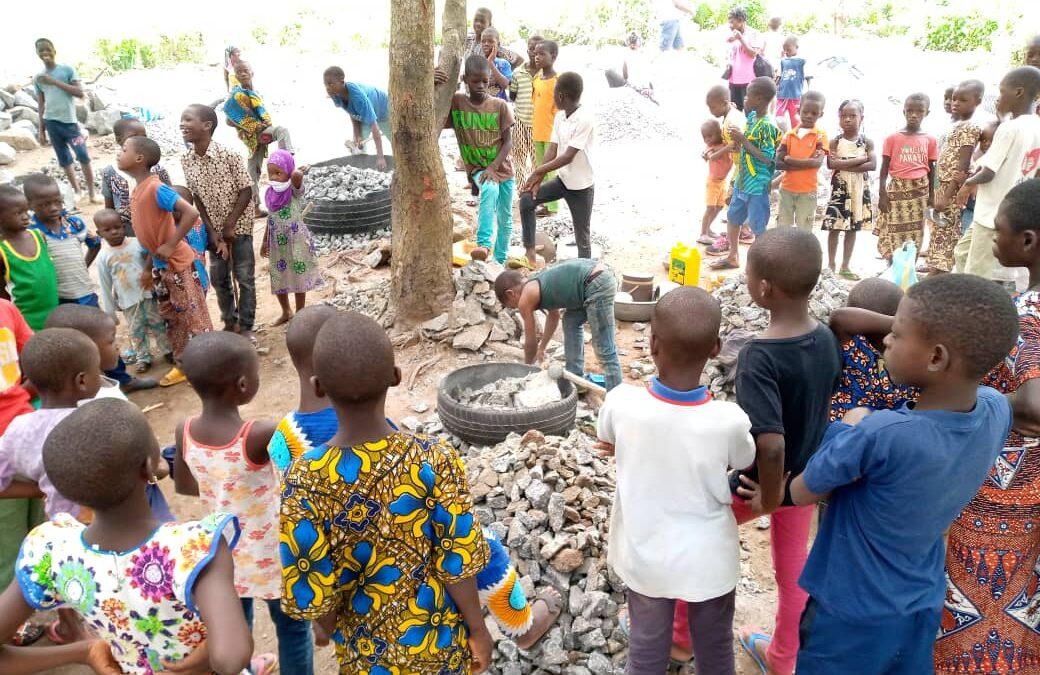 Visita de los niños del campamente de Beni a la Cantera